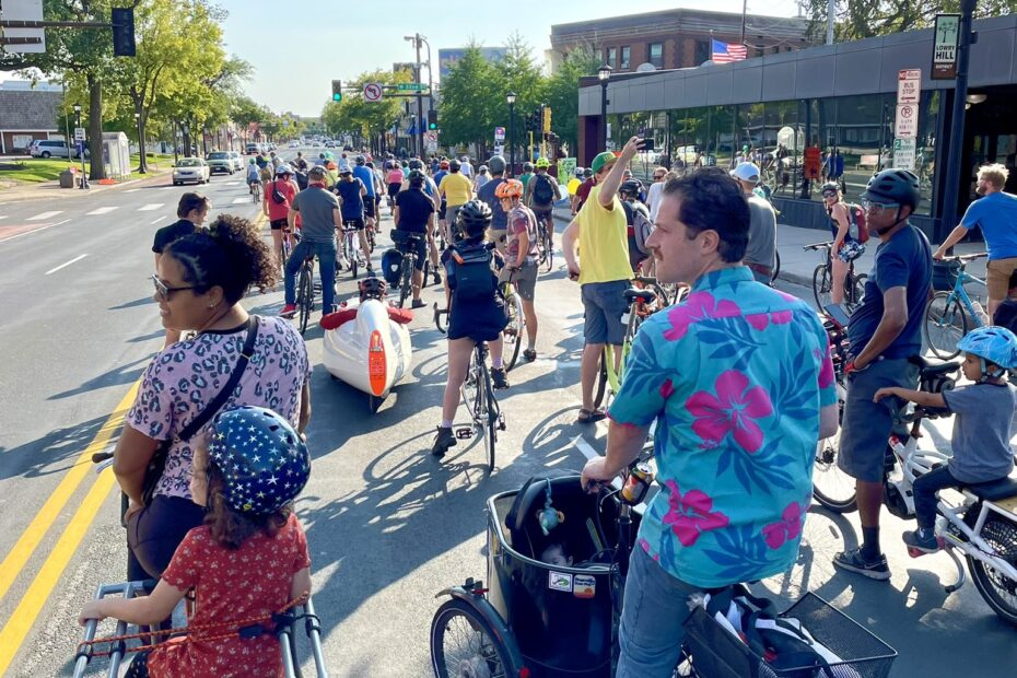 Parents and kids on Hennepin Fun Mass Ride