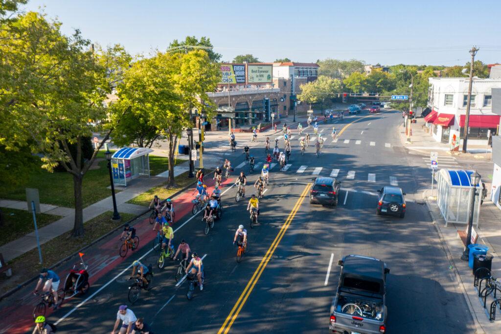 Lovely people biking on Hennepin Avenue